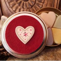 boîte fer coeur 5 savons coeur